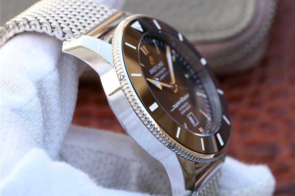 GF厂的百年灵超级海洋二代黑圈黑盘复刻腕表做工细节品鉴-顶级腕表评测