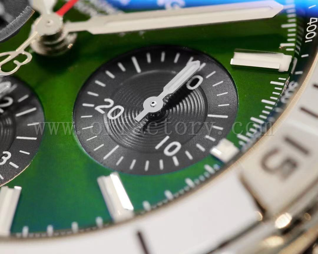 GF厂百年灵机械计时B01宾利赛车绿盘腕表评测