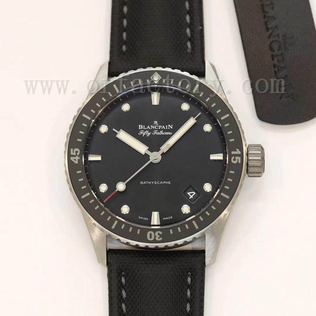 GF厂宝珀五十噚5000腕表评测,缎面磨砂钛金属