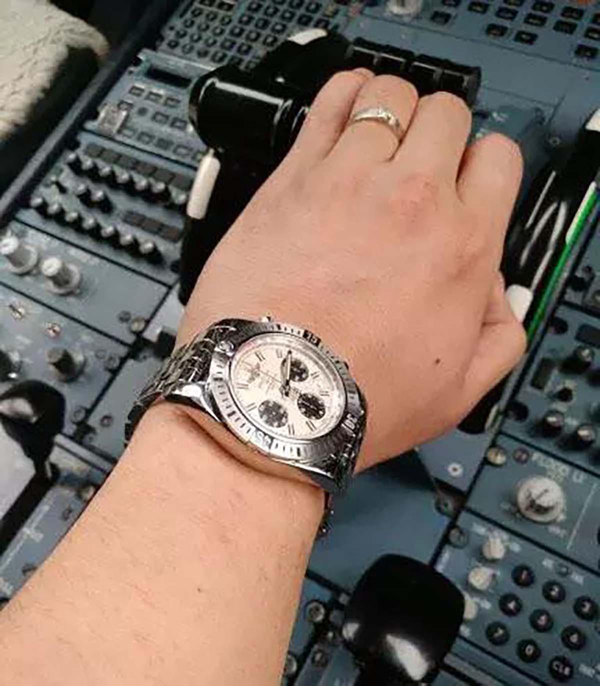 GF厂百年灵机械计时飞行员AB01442J复刻腕表做工细节如何-品鉴GF厂复刻