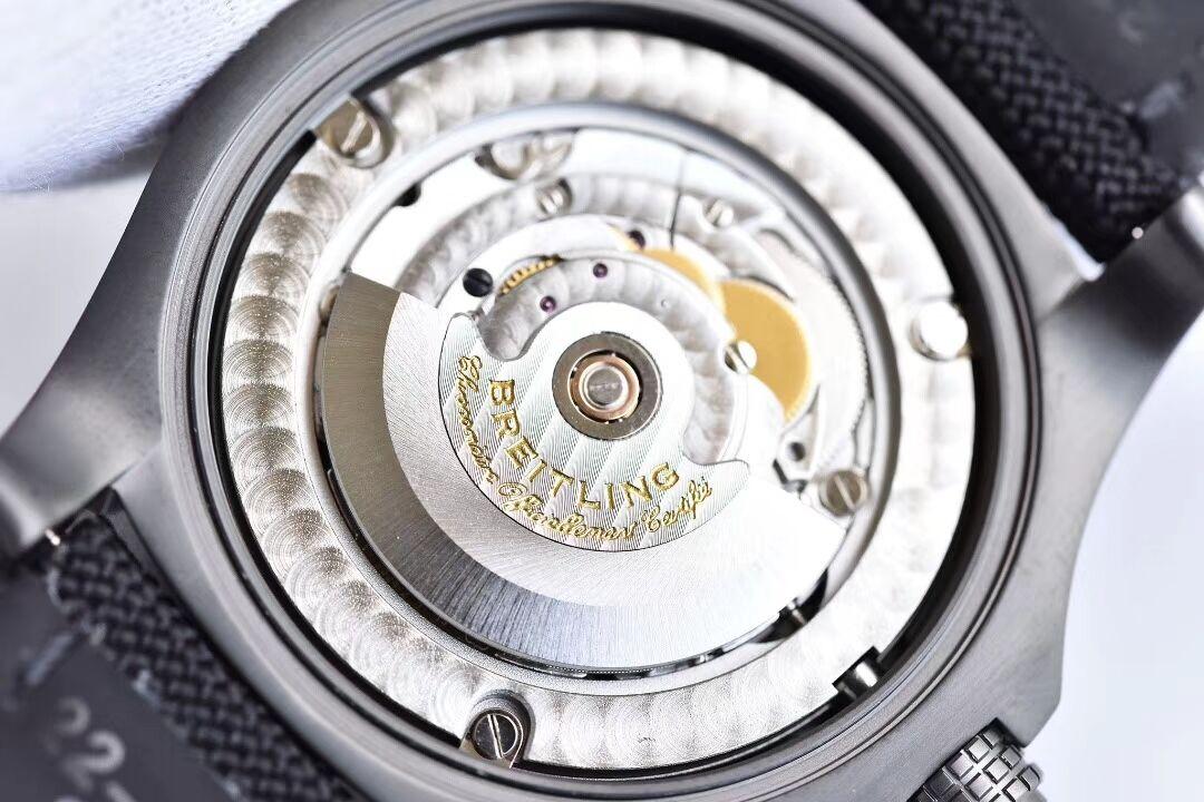 如何快速辨别真正的GF厂百年灵V4版黑鸟侦察机腕表